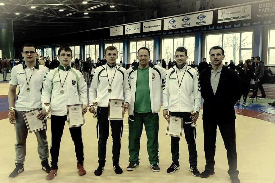 Iš kairės T. Kerševičius, D. Krikščiūnas, J. Liaugminas, S. Liaugminas, A. Liaugminas, A. Krikščiūnas.